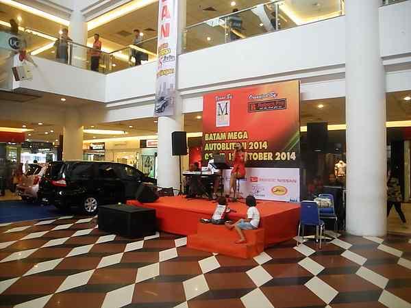 Batam Indonesia Singer