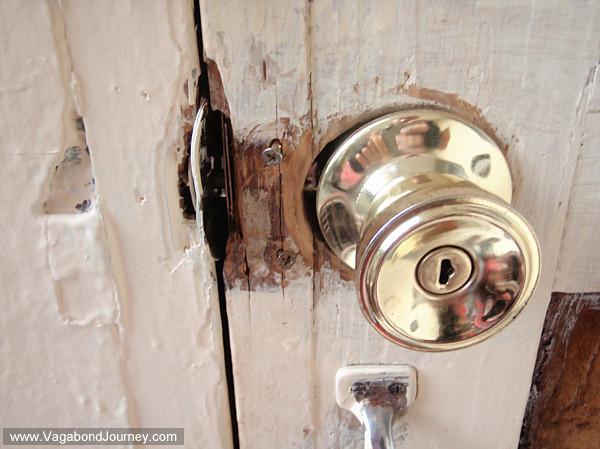 Insecure Door - Pezcame.Com & Insecure Door \u0026 Feel Insecure \\u0026 Self Conscious During Sex ... Pezcame.Com
