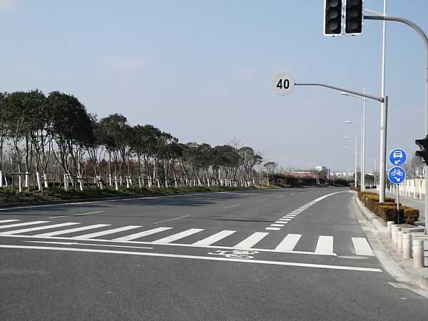 nanhui empty street