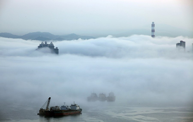 Billows of fog rolled across Xiamen creating a mystical, beautiful scene.