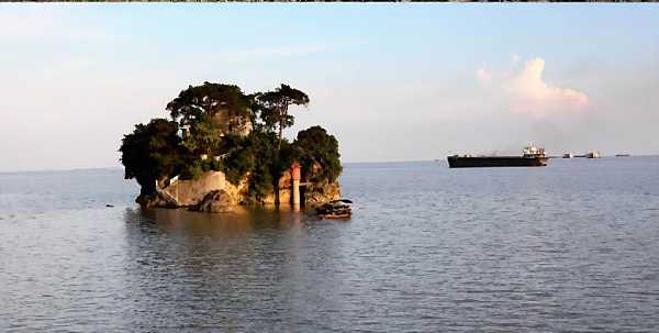 yinshan-island-with-water-poyang-lake_DCE