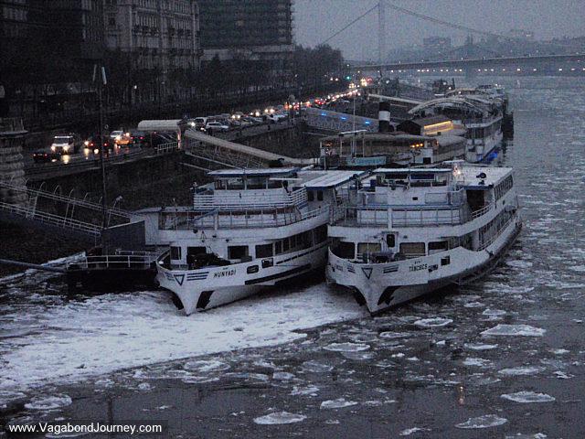 "Stalna postavka slika ~ ""Dunav"" - Page 2 09-2865-boats-danube-budapest"