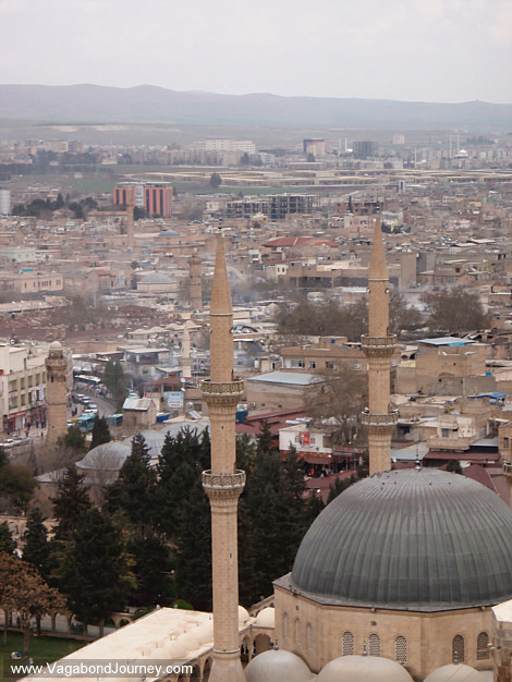 the influence of abraham on the monotheistic religion of the middle east A greater look at how the 3 monotheistic or abrahamic religions relate to each other and the ways in which they differentiate.