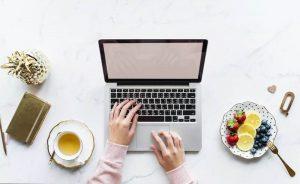 Macbook_laptop_digital_nomad