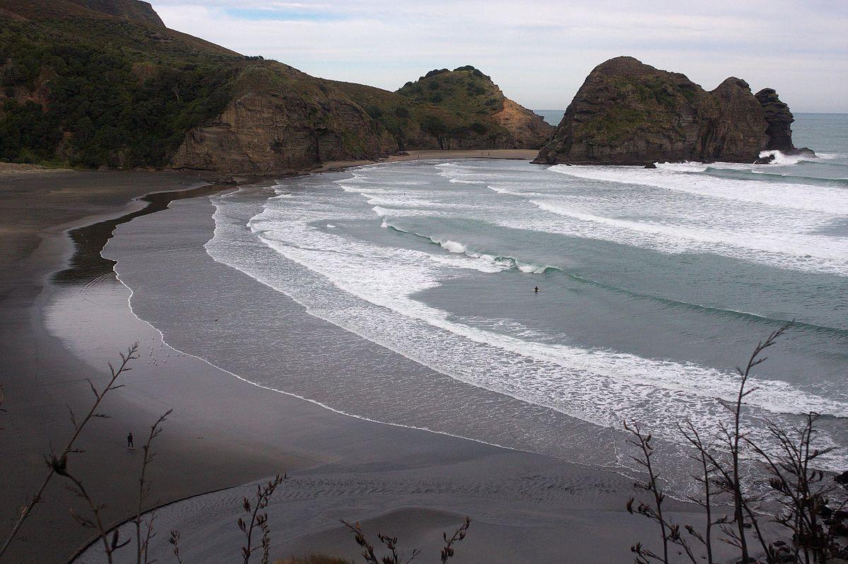 piha_beach
