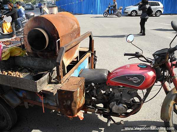 Chestnut Roasting Taken to the Streets in China post image