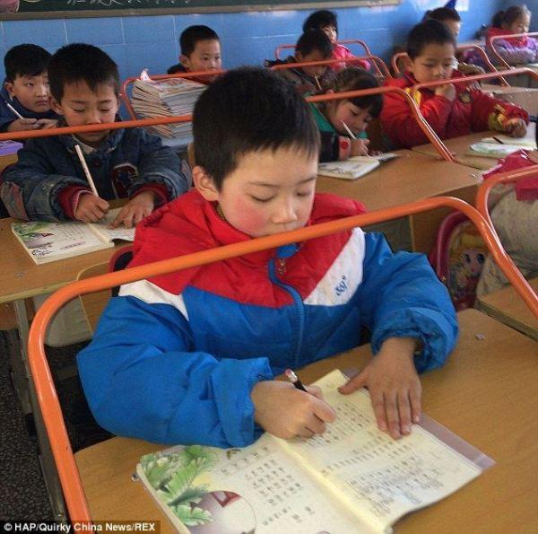 desks-china-prevent-nearsightedness