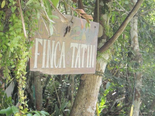 Finca Tatin sign