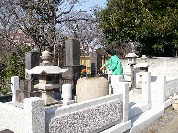 japanese-cemetary-3