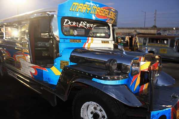 jeepney-philippines-4_DCE