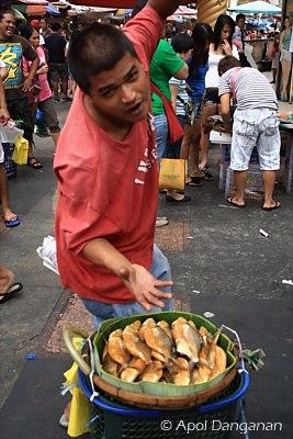 philippines-milkfish-vendor