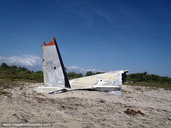 Plane crash in Ventanilla beach Mexico