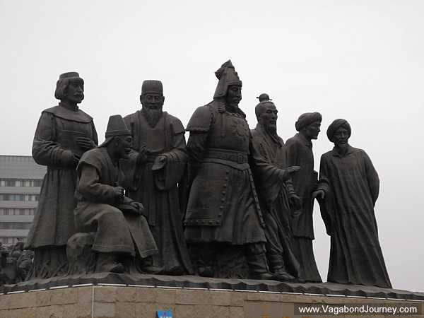 statues-ordos