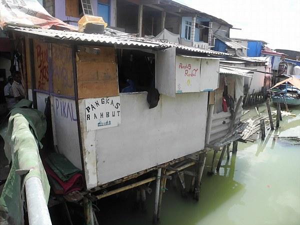 stilt houses Indonesia